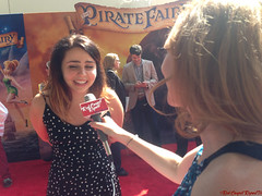 Mae Whitman - IMG_0445 (RedCarpetReport) Tags: celebrity movie photography bonito tinkerbelle peterpan animation celebrities fairies director interview producer vidia zarina redcarpet littlegirls interviews waltdisneystudios joeylawrence maewhitman natashabedingfield alilandry dancingwiththestars christinahendricks johnlasseter brookesmith carlosponce samanthaharris elizabethrohm celebrityinterviews grey'sanatomy animatedfeature jennifertisdale rhoc americanhustle pamelaadlon disneytoonstudios piratefairy tamarakrinsky minglemediatv songwriterperformer jdep redcarpetreport melissajoey alexisbellino redcarpetreporttv peggyholmes thepiratefairy courtneylainem filmmakerspeggyholmes jennimageecook maewhitmantinkerbell specialguestsmelb