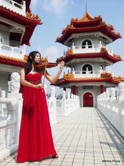 Yue Ling - 2014-03-30 - 105515 (gprana) Tags: singapore olympus violin chinesegarden gown violinist m43 micro43 microfourthirds olympusomdem5 olympusmzuikodigital17mmf18