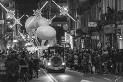 La Cabalgata, Ourense (jcfasero) Tags: ourense cabalgata desfile galicia españa spain reyes navidad sony a6000 bw blackwhite street sphotography people