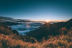 40 megapixel|sunset dusk 夕陽 (里卡豆) Tags: sunset dusk 夕陽 olympus penf 黃昏 sunlight sun sky mountain 高山 合歡山 taiwan taipei 台灣 8mmf18pro 8mmf18 fisheye 天空 日落
