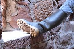 En visite (Wad Boots) Tags: semelle crampons le chameau sthubert sainthubert bottes caoutchouc wellies rubber rubberboots gummistiefel homme château fier wellingtons