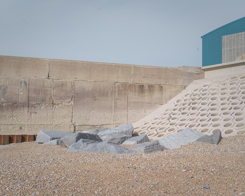 Shoreham (Andy Feltham...) Tags: pentax k1 smcpentaxfa43mmf19limited shoreham hove brighton beach seaside wall rocks newtopographics