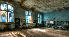 blue room (Körnchen59) Tags: beelitzerheilstätten potsdam brandenburg germany lostplaces urbex blue blau fenster windows körnchen59 elke körner pentax k7