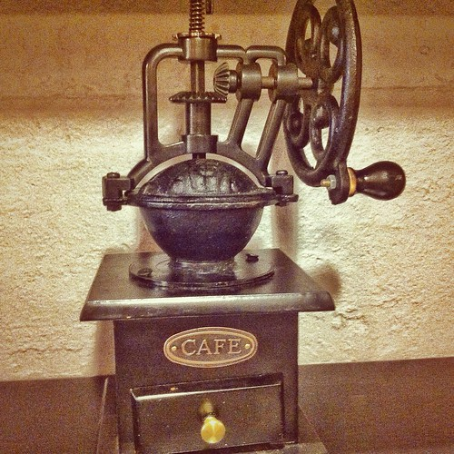 Old-fashioned coffee press (33/365)