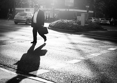 Day 148/365 (Free Street Photography Book on mariusvieth.com) Tags: street sunset bw white man black streetphotography daily business suit everyday briefcase grind strasenfotografie