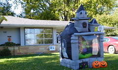 House of ghosts, Wayne (ali eminov) Tags: halloween seasons wayne celebrations fourseasons displays ghosts halloweendisplays houseofghosts