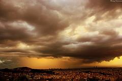 Feliz Martes de Nubes sobre Barcelona (Ferny Carreras) Tags: barcelona city sky espaa storm rain clouds lluvia spain awesome ciudad cel panoramic cielo nubes tormenta incredible ciutat martes nwn barna panormica espanya increible nubols plutja oltusfotos