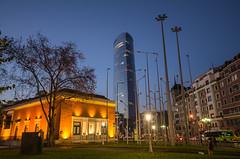 plaza del museo (Juan Ig. Llana) Tags: plaza atardecer bilbao farolas torreiberdrola museodebilbao