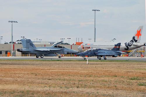 A44-203 Boeing F/A-18F Super Hornet RAAF, A27-33 British Aerospace Hawk Mk.127 LIF RAAF, VH-VQY Airbus A320-232 Jetstar
