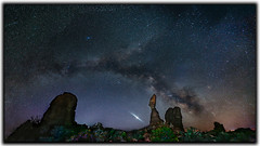 Milky Way and Balanced Rock (Jerry T Patterson) Tags: longexposure camping camp canon stars utah tour photoshoot hiking arches ps hike workshop patterson moab nightsky archesnationalpark lr milkyway balancedrock phototour 5dm3 5dmiii vision:clouds=075 vision:sky=0961 vision:outdoor=0979