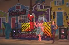 Elmo Rocks 4