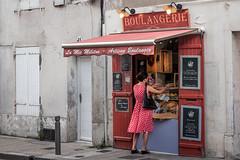 Boulangerie (Moleiro) Tags: red france frana polkadots storefront larochelle francia boulangerie