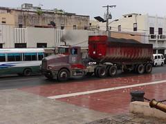 Kenworth T600 with a dump trailer (RD Paul) Tags: truck volvo dominicanrepublic dumptruck camion mack hino republicadominicana scania peterbilt santodomingo kenworth autocar sosua freightliner superliner rmodel
