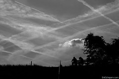 A good conversation (Erik Schepers) Tags: sky man men netherlands clouds stripes trails planes kanaal talking dijk stein limburg benck