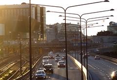 Autoroute urbaine - Urban freeway, Stockholm (blafond) Tags: urban traffic motorway sweden stockholm streetlamps schweden autobahn autopista freeway autoroute circulation suede urbaine autostrade dualcarriageway lampadaires