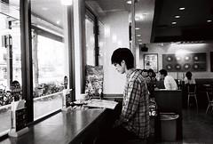 東京印象 Tokyo Impression (Eddie NG*) Tags: tokyo mju olympus fujifilm 東京 neopan400 olympusmjuii tokyostreet