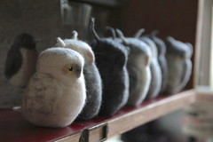 owl tribu (swig - filz felt feutre) Tags: sculpture bird wool animal penguin oneofakind felt owl pinguin swi tier vogel uhu laine filz chouette hibou wolle feutre unikat piceunique