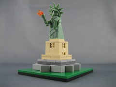 LEGO Statue of Liberty (ninbendo) Tags: statue liberty lego mini microscale ninbendo ninbend0