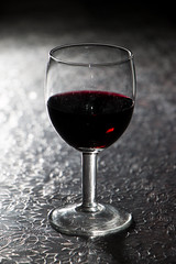 PAD2014-01-12 Red Wine (Guruinn) Tags: shadow glass january redwine glas rautt 2014 glassofwine rauðvín janúar rauðvínsglas vínglas