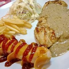 เสต็กไก่+ไส้กรอกไก่ #มื้อเที่ยงเกร๋ๆ