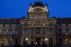 Le Pavillon Sully - Palais du Louvre (herve_928) Tags: longexposure paris architecture palaisdulouvre photosdenuit 1685mmf3556gvr d5100 qualitystructuresppf