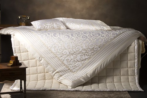 cream bedding by yesonly, on Flickr