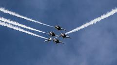 Diamond-Solo Cross (Skeeter Photo) Tags: show smoke air trails formation demonstration f16 mkt thunderbirds usaf mn usairforce mankato avgeek kmkt minnesotaairspectacular skeeterphoto