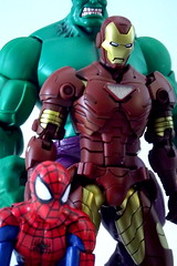 Avengers (Popcornboy20) Tags: comic spiderman ironman actionfigures marvellegends hulk captainamerica avengers hasbro sentinel toybiz marvelselect armorize