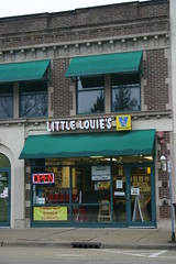 Little Louie's (niureitman) Tags: viennabeef sign hotdogs carryout dinner tonight february2017 restaurant february 2017 northbrookillinois northbrook illinois