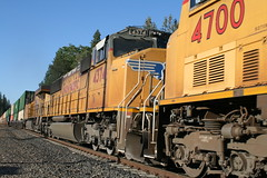 Union Pacific #4374 (EMD SD70M) in Colfax, CA (CaliforniaRailfan101 Photography) Tags: up amtrak unionpacific priority ge freight bnsf reefer manifest emd californiazephyr burlingtonnorthernsantafe dash9 dpu es44dc gevo sd70m amtk c449w stacktrain sd70ace es44ac colfaxca c45accte p42dc trackagerights es44c4 tietrain sd59mx unitreefer zdlsk trainsincolfaxca