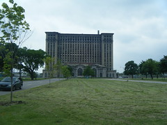 Michigan Central Station and Roosevelt Park (James Bursa) Tags: park station empty detroit derelict rooseveltpark michigancentralstation
