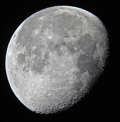 Waning Gibbous Moon (Sarah and Simon Fisher) Tags: moon canon telescope astrophotography handheld astronomy worcestershire lunar dobsonian afocal bromsgrove skywatcher moonwatch