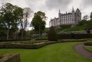 505-1207-Dunrobin-Garden