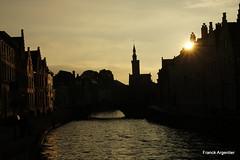 Bruges au coucher (cliclap38) Tags: soleil canal lumire jour bruges nuit contrejour contre