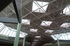 DSC02757 (andre vautour) Tags: above favorite mall balloons skylight ceiling approved foodcourt 2014 andrevautour sonydscrx100m2