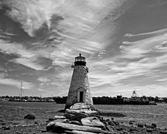 Palmers Lighthouse (Ryan Silva) Tags: ocean lighthouse water port harbor blackwhite tugboat fairhaven newbedford palmersisland