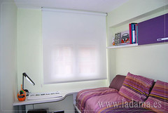 "Estor enrollable dormitorio juvenil • <a style=""font-size:0.8em;"" href=""https://www.flickr.com/photos/67662386@N08/9194692578/"" target=""_blank"">View on Flickr</a>"