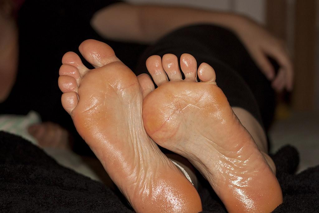 Huge sexy soles