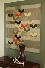Starlings Wallhanging (Modern Quilting by B) Tags: wall modern quilt hanging solid starlings vision:text=054