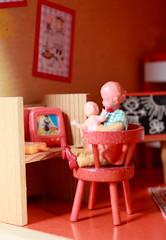 Sabrina... (*blythe-berlin*) Tags: orange vintage göteborg toys furniture gothenburg 70s möbel byebye spielzeug dollhouse puppenhaus lundby cacodolls biegepuppen doll´shouse 70zigerjahre