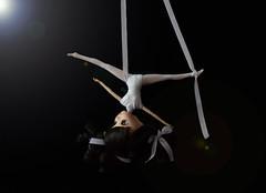 Acrobacias (Natsumi333) Tags: luces doll dolls artistic contest deporte concurso pulli