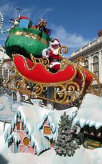 Santa at Disney IMG_4042 (John Dreyer) Tags: christmas canon holidays florida disney santaclaus waltdisneyworld magickingdom paradefloat holidayparade photocreditjohndreyer copyright2013johndreyer