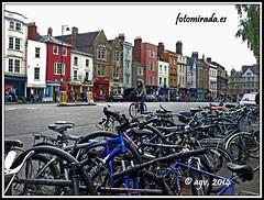 Bikes in Oxford (Algarval de fotomirada) Tags: england viajes oxford agv fotomirada agvdeftm httpfotomiradaes fotomiradaes
