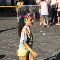 Bimba alla Color Run (Rockyge89) Tags: street city people italy baby color colour girl strada italia colours colore fuji liguria streetphotography running run persone genoa genova littlegirl fujifilm bimba urbanlife bambina urbanarte xe2 colorrun fujixe2