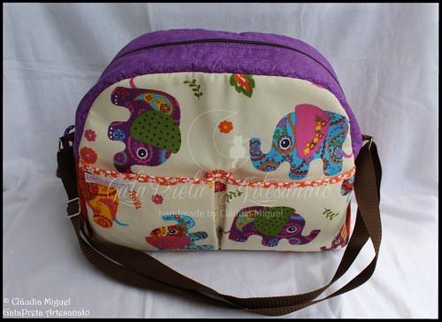 """Mala de maternidade, nécessaire e muda-fraldas """"Elefantes Indianos"""""""