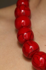 red necklace (Shanti Mari) Tags: handmade jewelery necklace collana red apparel accessori woman donna skin pelle macro reflexes riflessi girl rosso pietra rock
