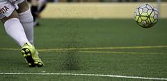 Futbol-infaltil (invesado) Tags: futbol base caucho nikon 7100 tamron 70300 paracuellos pelota cesped
