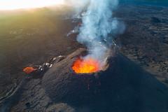 volcan02-d2 (loïcabadie) Tags: eruption pitondelafournaise laréunion réunion volcan lave