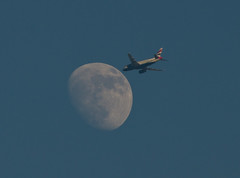 Jet approaching the early evening Waxing Gibbous Moon 21 May 2013 (Sculptor Lil) Tags: moon london astrophotography dslr waxinggibbous singleexposure