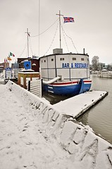 10397 (benbobjr) Tags: uk winter england lake snow ice pool bar marina river restaurant boat frozen inn frost ship unitedkingdom lincolnshire tavern lincoln mere witham midlands moorings publichouse eastmidlands brayford brayfordpool beerhall riverwitham thebarge rnbwitham brayfordmere brayfordwharfnorth